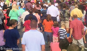 In the Vision of Purgatory, a crowd of people came to welcome him to heaven