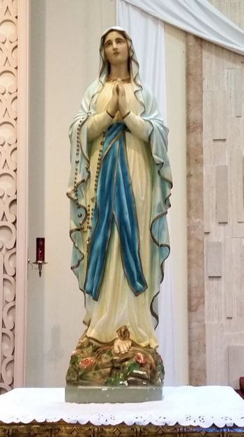 Blessed Mother Mary crushing the head of the serpent for Divine Justice